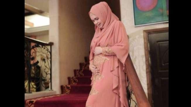 Hamil 4 Bulan, Siti Nurhaliza Masih Menyanyi