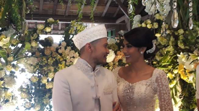 Tyas Mirasih Undang Mantan Pacar ke Pernikahan, Apa Kata Raiden?