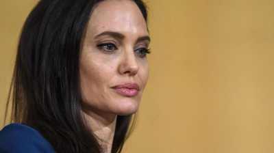 Angelina Jolie Akui Tak Enak Hidup Sendiri