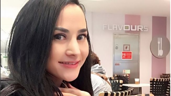 Swimsuit Cynthiara Alona Melorot, Netizen Yakin Disengaja