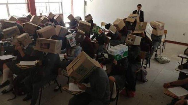 Ciptakan Helm Antinyontek dari Kardus, Guru Ini Dapat Kecaman