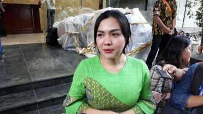 Belum Dua Bulan Nikah, Vicky Shu Hamil?