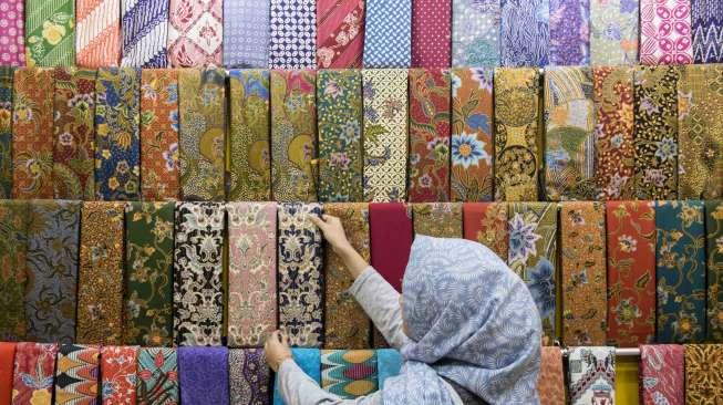 Milenial Harus Tahu, Ini Bedanya Batik Tulis, Cap, dan Printing