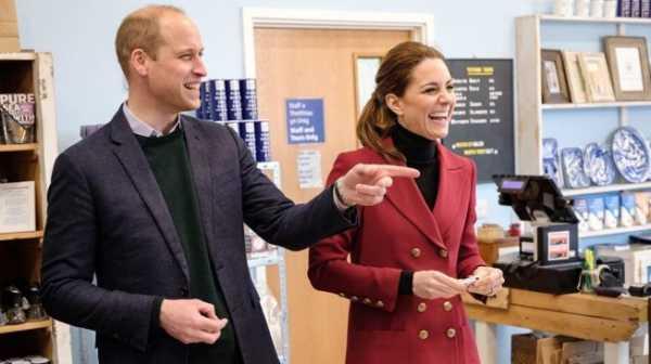 Pangeran William dan Kate Middleton Naik Pesawat Ekonomi, Merakyat atau Irit?