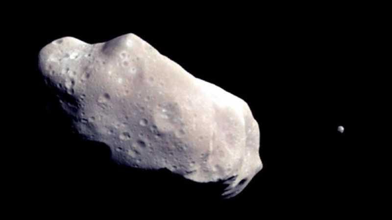 Asteroid Berukuran Tiga Kali Monas Lewati Bumi Hari Ini
