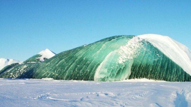 Penyebab Gunung Es Langka di Antartika Berwarna Hijau