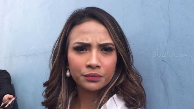 Vanessa Angel Dianggap Tak Mau Terbuka, Pengacara Pilih Mundur