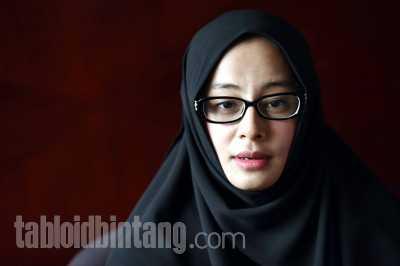 Istri Al Habsyi, Putri Aisyah Aminah Siap Jalani Pemeriksaan