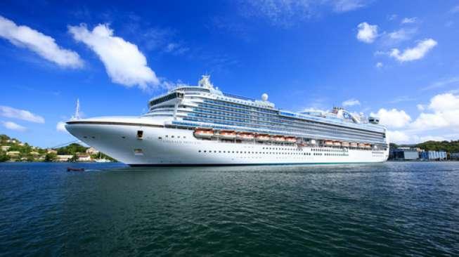 Ini Dia Kelebihan Traveling Pakai Kapal Pesiar