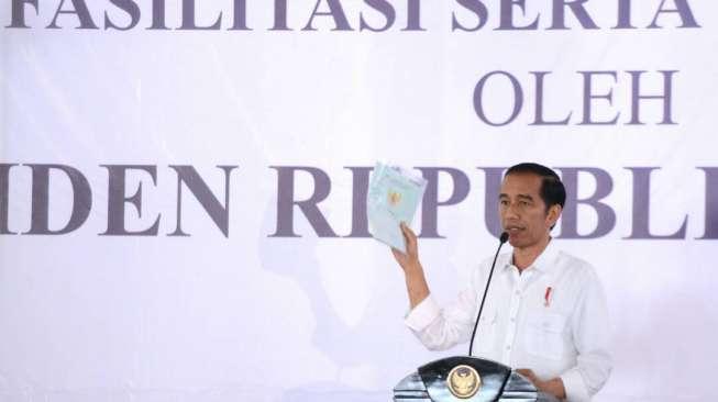 Jokowi Terpingkal-pingkal Dengar Puisi Bocah Kelas 3 SD Ini