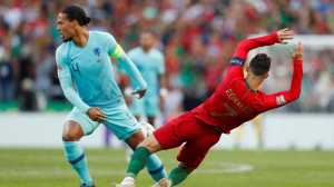 Alasan McMenemy Pilih Van Dijk, Bukan Messi dan Ronaldo