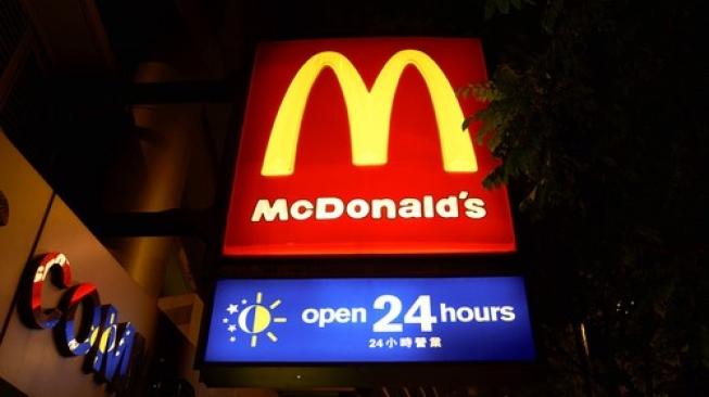 Warga Hong Kong Pilih Tidur di McDonalds Ketimbang Rumah, Mengapa?