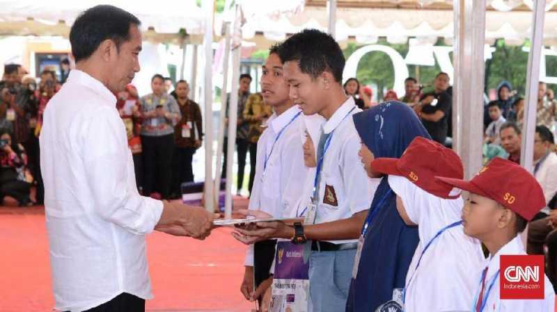 Harap-harap Cemas Lulusan SMK untuk Jokowi dan Mobil Esemka