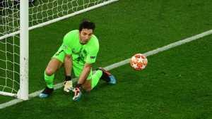 Barcelona Tawari Buffon Jadi Cadangan Ter Stegen