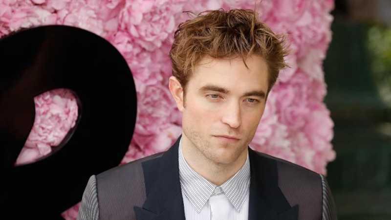 Robert Pattinson Respons Rumor Peran Sebagai Batman