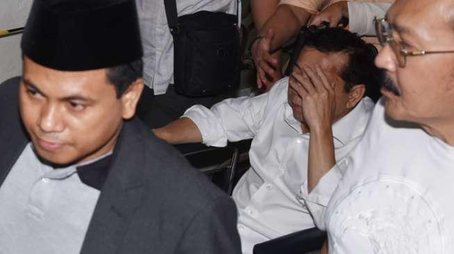 Setya Novanto dan Pintu Belakang RSCM