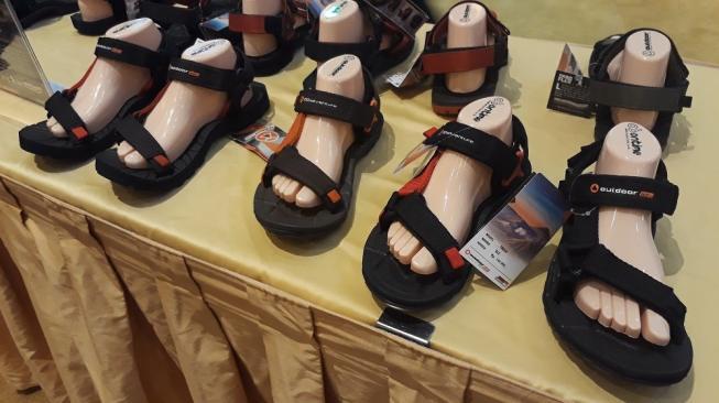 Kece, Tampil Modis dengan Sandal Outdoor Khusus Perempuan