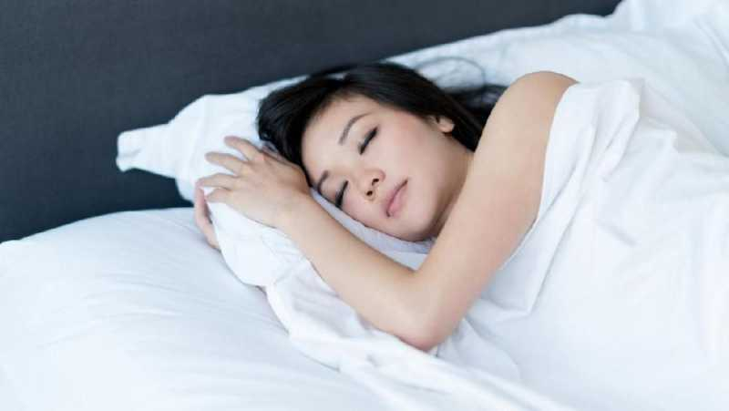 Menghabiskan Akhir Pekan dengan Tidur Bikin Gemuk