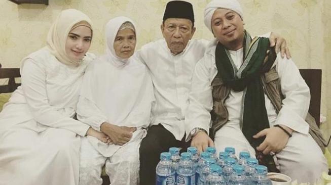Istri Ungkap Opick Sudah Bercerai dari Yuliast Mochamad