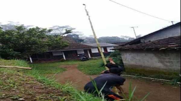 Pemuda Ini Bikin Tongsis Setinggi 20 Meter, Hasil Fotonya Gimana?