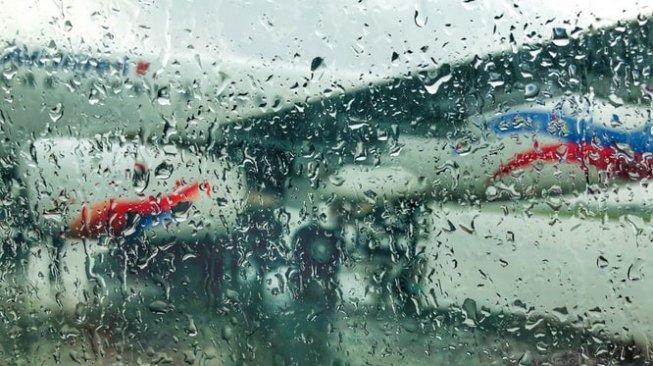 Pesawat Tergelincir Keluar Landasan, Bandara Nepal Terpaksa Ditutup