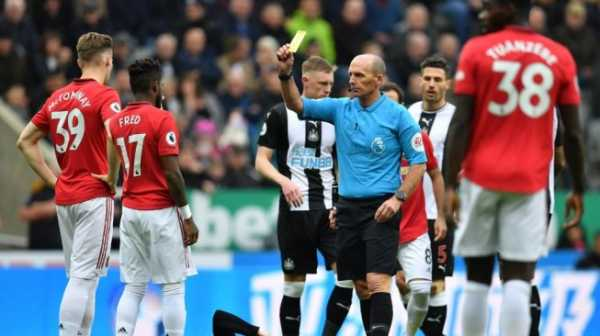 Manchester United Kian Terpuruk, Tagar #OleOut Trending di Twitter