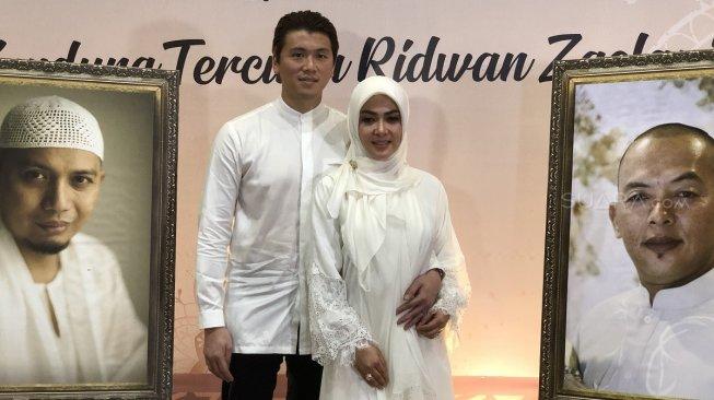 Ustaz Arifin Ilham Ternyata Pernah Doakan Syahrini Punya Suami Saleh