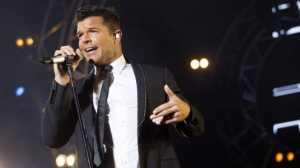 Penyanyi Ricky Martin Kecam Media Soal Penembakan Masjid Selandia Baru