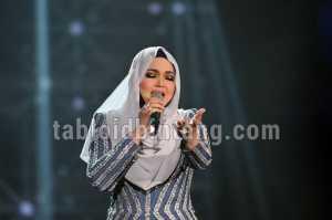 2 Bulan Pasca Melahirkan, Netizen Takjub Lihat Perubahan Tubuh Siti Nurhaliza