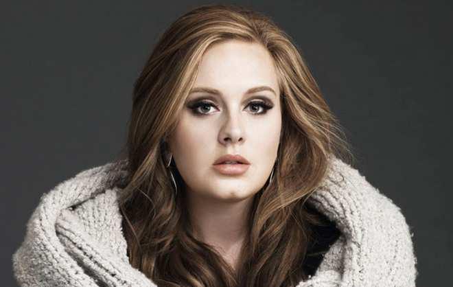 Gandeng Sahabat, Adele Digosipkan Punya Pacar Baru