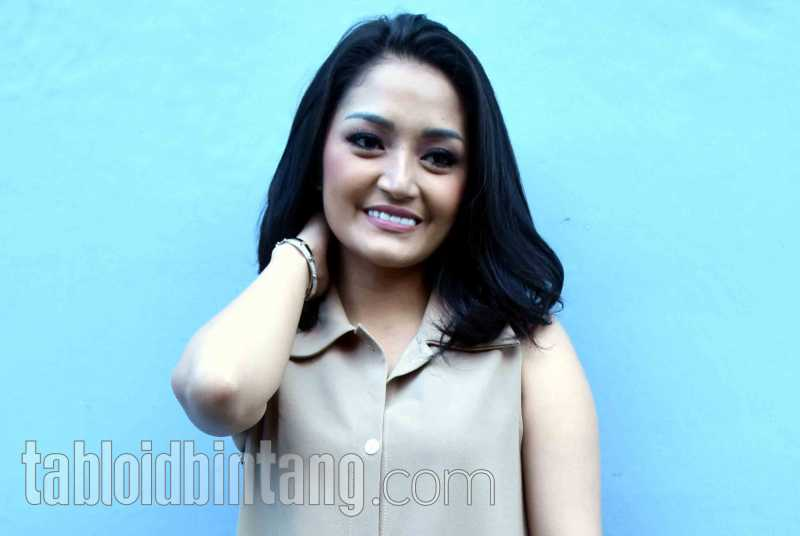 Lagi Syantik Siti Badriah Masuk Chart Billboard