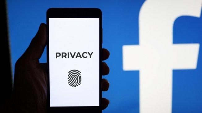 Duh! Facebook Mengunggah 1,5 Juta Alamat Email Penggunanya?