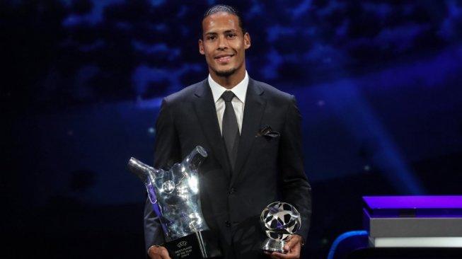 Komentar Van Dijk usai Sabet Gelar Pemain Terbaik UEFA