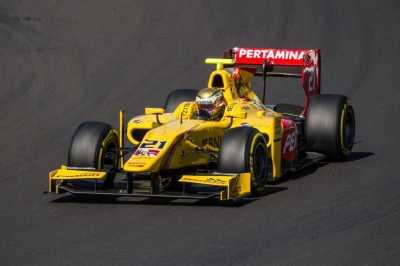 Wow! Sean Gelael Pacu Mobil Formula 1