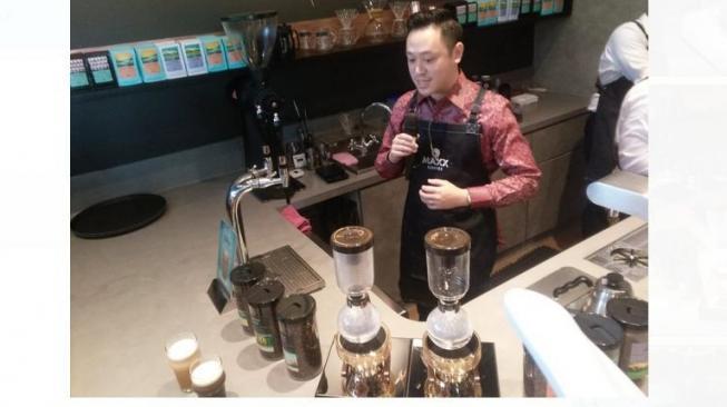 Wajib Coba! Nitro Coffee dan Nitro Tea, Ngopi Rasa Bir yang Kian Ngehits