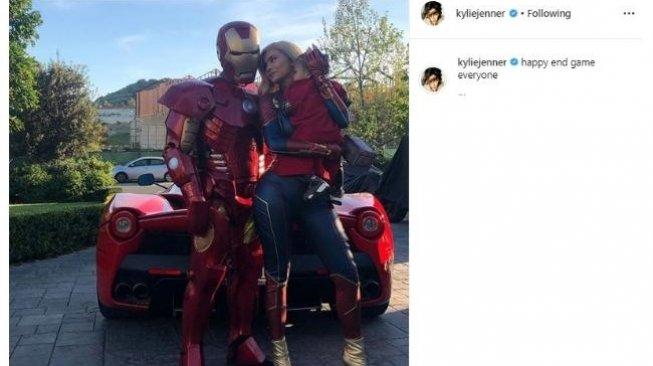 Gara-Gara Demam Avengers: Endgame, Kylie Jenner Jadi Captain Marvel
