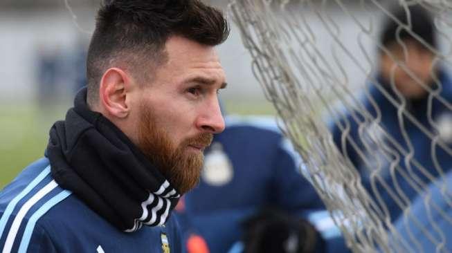Fans Galau Soal Masa Depan Messi di Camp Nou, Ini Kata Valverde