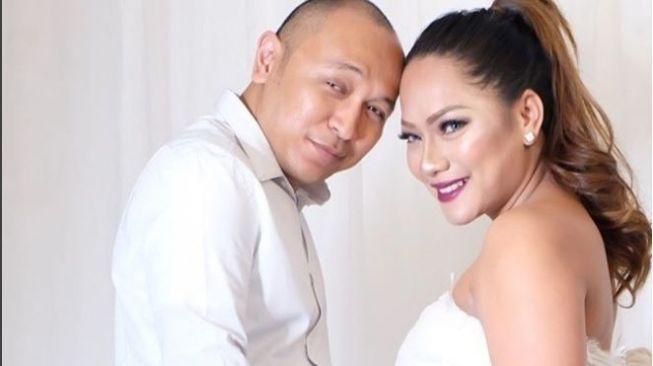 Detik-detik Persalinan, Jenny Cortez Masih Sempat Bikin Video