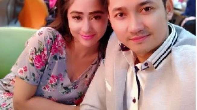 Ultah, Dewi Perssik Malah 'Diselingkuhi'