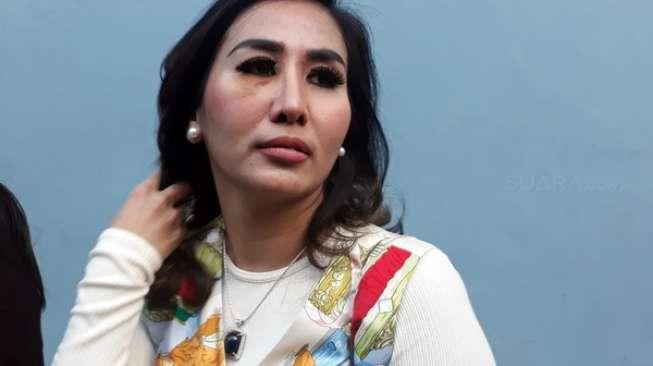 Sering Cekcok, Ratna Dilla Mantap Ceraikan Suami