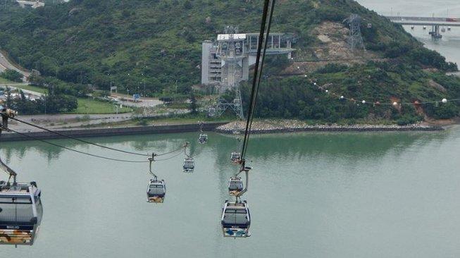 Sensasi Menikmati Lanskap Hong Kong dengan Kereta Gantung Ngong Ping 360