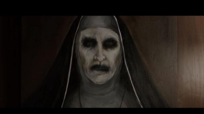 Meme The Nun Gentayangan di Medsos, Tapi Jadi Kocak!