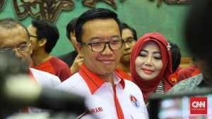 Menpora Bingung Luis Milla Belum Gabung Timnas Indonesia