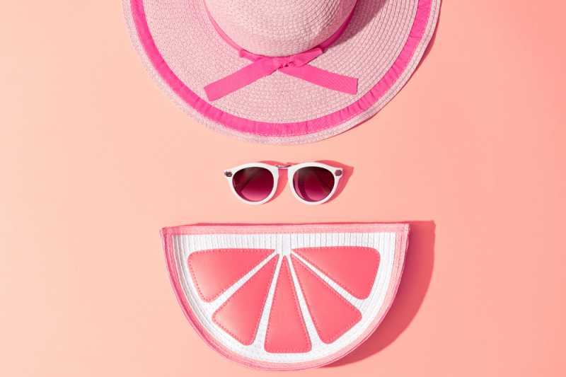 5 Fashion Item Paling Penting Dibawa Saat Berlibur