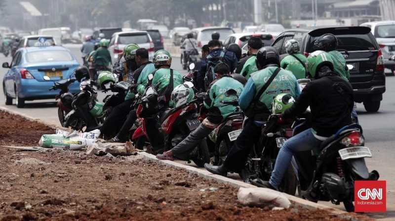 Gojek dan Anies Bakal Tertibkan Parkir Ojol di Pinggir Jalan