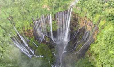 Siap-Siap Terpesona Keindahan Air Terjun Tumpak Sewu