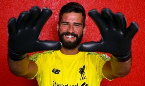 Liverpool Umumkan Transfer Alisson Becker