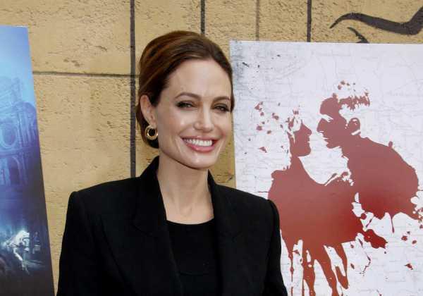 Angelina Jolie Jadi Editor Majalah Time