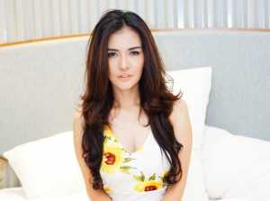 Pacaran Settingan dengan Vicky Prasetyo, Anggia Chan Menyesal