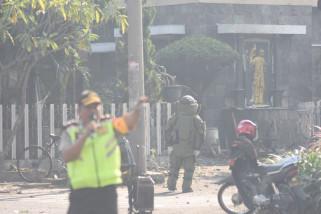 Pelaku Bom Surabaya Diduga Seorang Ibu Bawa Dua Balita